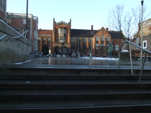 Blick vom Eingang des Culture Lab in Richtung Zentral-Uni