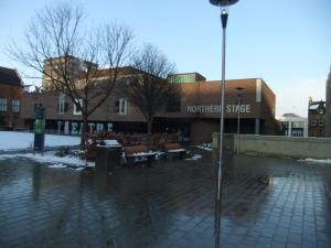 Hier sieht man die Northern Stage, ich glaube eine Theaterbühne für die School of Fine Arts
