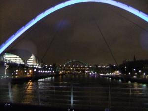 Blick von der Millenijm Bridge in Richtung Quayside
