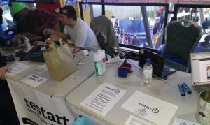 ein repair cafe direkt auf der Maker Faire! durchwegs nette Leute, die vom restart project :) schreit nach kooperation!